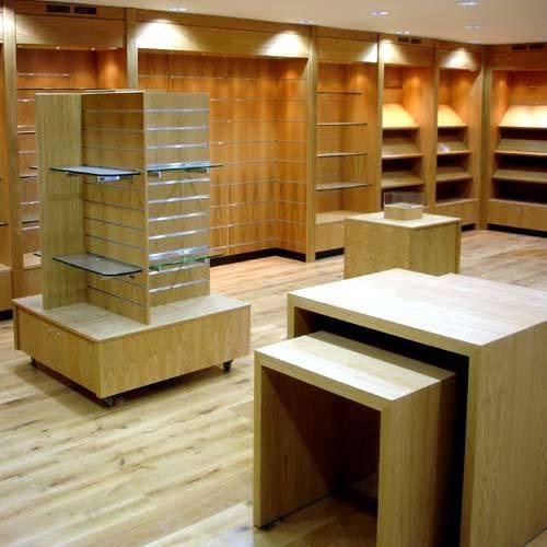 mobiliario-exhibicion-hm-publicidad